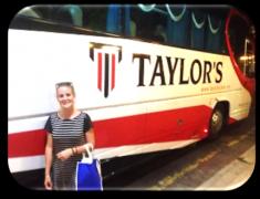 阿曼达·吉安参加了为泰国留学期两星期的泰莱大学生物科学夏季课程