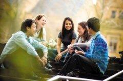 学校对澳洲本土学马来西亚大学生的收费已经被政府设定了上限