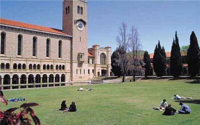 去澳洲留学传媒专业哪个大学比较好?