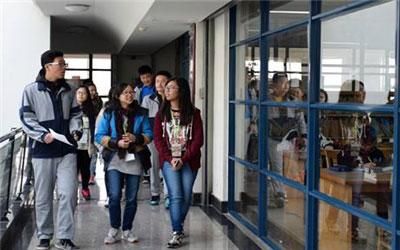 高中时去香港留学值得吗?2018香港高中留学优势