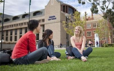 2018去澳大利亚上大学费用是多少?