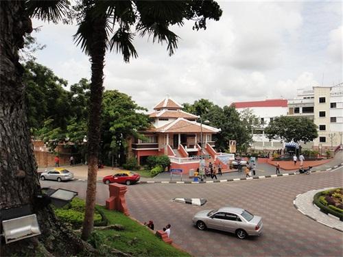 2018马来西亚help精英大学生活花费大概多少