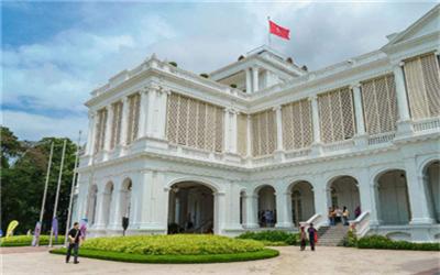 2018去新加坡本科留学需要满足哪些条件