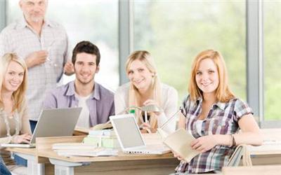 美国10大顶尖商学院面试政策