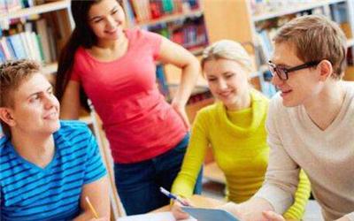 美国高中为什么不分文理科