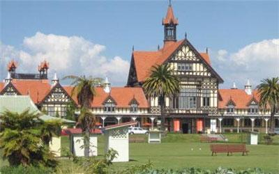 新西兰八大名校学费,新西兰八大名校排名,新西兰八大名校专科生