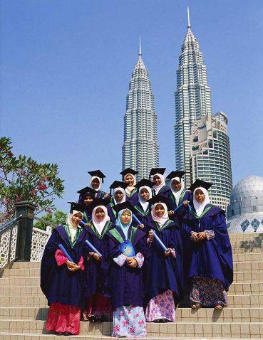 马来西亚留学专科生升本有哪些选择?马来西亚留学专升本优势