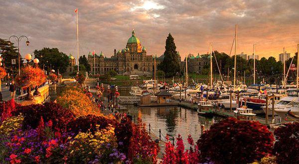 「加拿大留学」加拿大留学费用明细