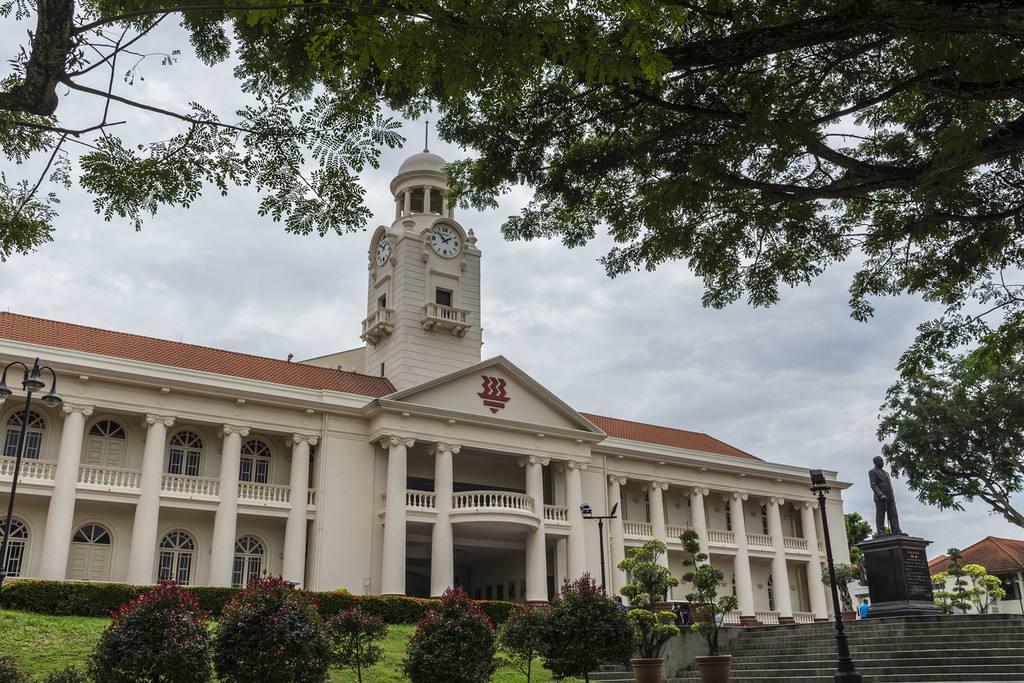「新加坡留学」2021年自费留学新加坡需要多少钱?