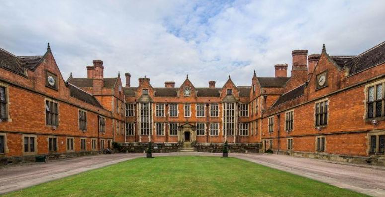 「英国留学」英国本科留学费用清单