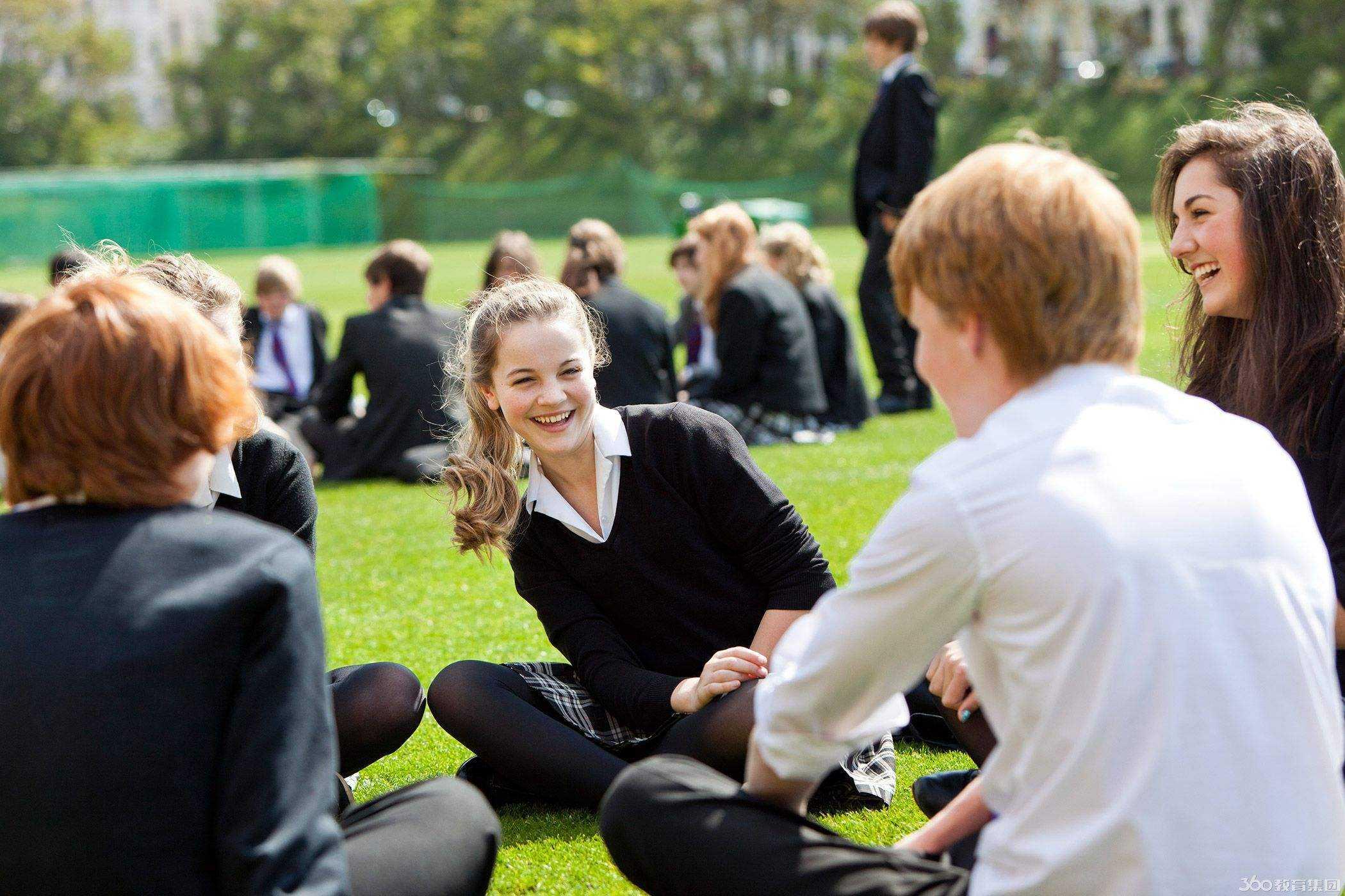 「英国留学」高二可以去英国留学吗?高中生英国留学有哪些优势?