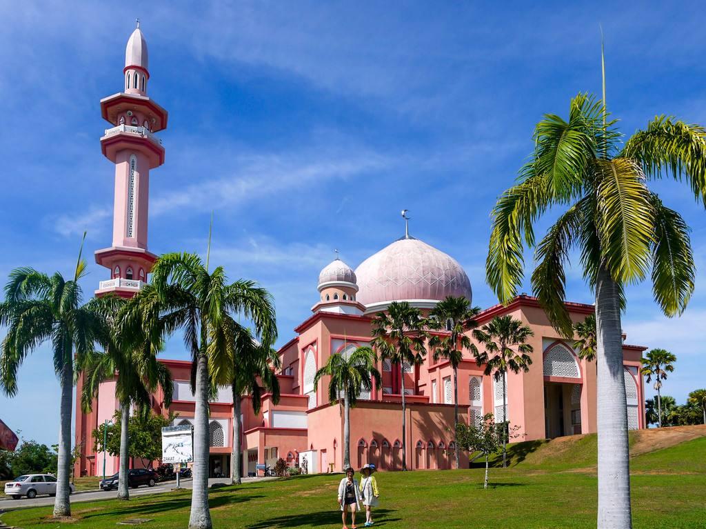 「马来西亚留学」马来西亚沙巴大学留学一年学费需要多少?