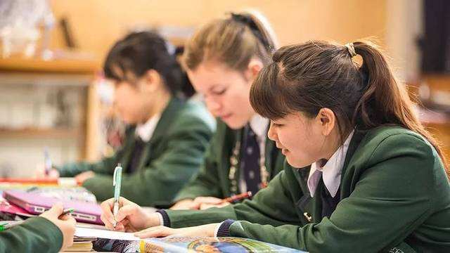 「新西兰留学」新西兰一年留学费用要多少?